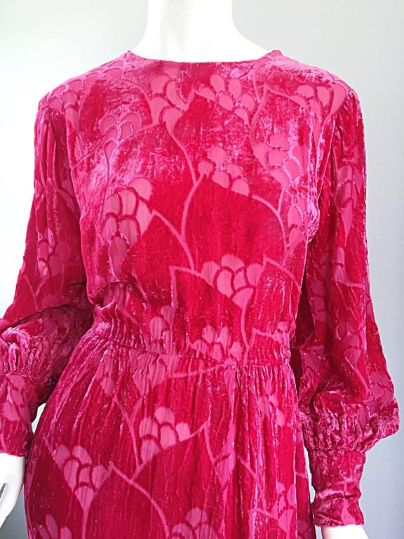 Vintage Elizabeth Arden 1970s Hot Pink Fuchsia Crushed Silk Velvet Maxi Dress 3