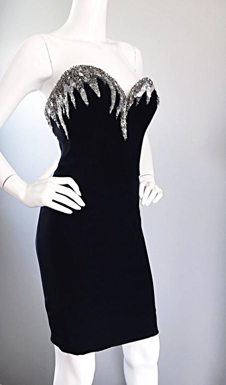 Bob Mackie Vintage Black and Silver Sequin Bodycon Strapless Mini Dress Size 4 In Excellent Condition For Sale In San Francisco, CA