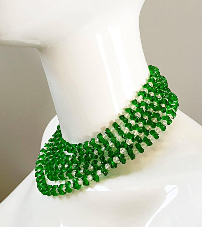 Vintage Signed Lisner 1960s Emerald Green + Clear Lucite 60s Waterfall Necklace  In Excellent Condition For Sale In San Francisco, CA