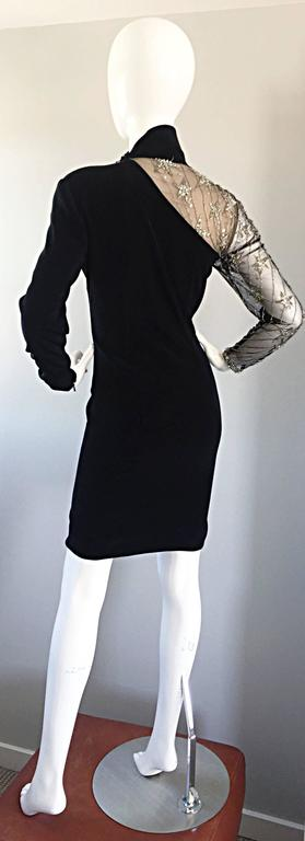 Vintage Bob Mackie Black Sequin Nude Illusion Silver Sequin ' Star ' Dress 4 - 6 In Excellent Condition For Sale In San Francisco, CA