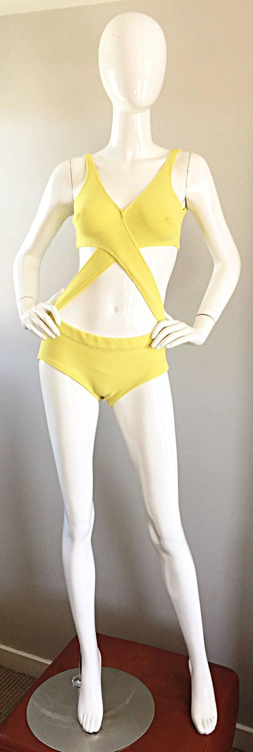 Vintage Bill Blass 1960s Rare Canary Yellow Mod Cut Out