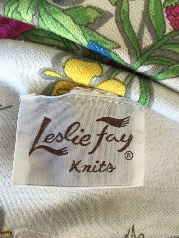1970s Leslie Fay Knit Jersey Novelty Floral Garden Botanical Print Blazer Jacket For Sale 5