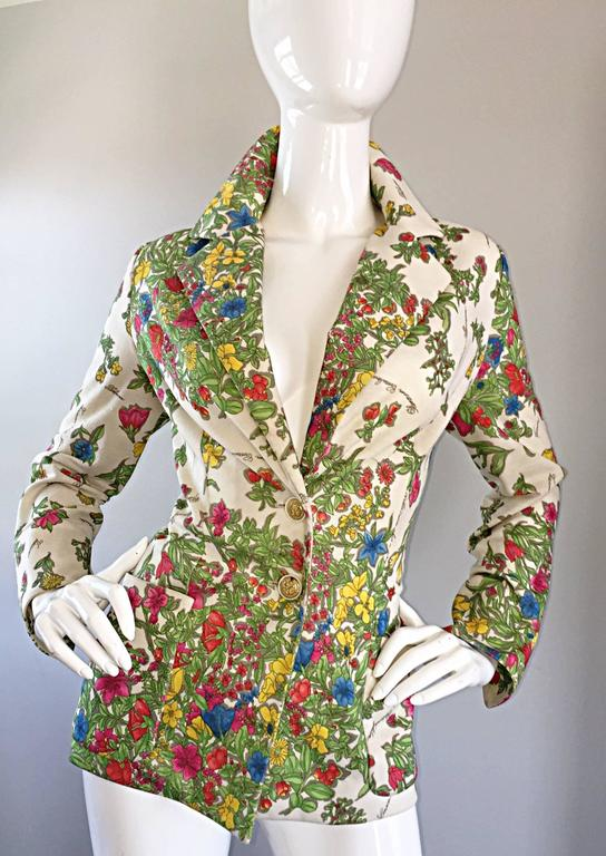 1970s Leslie Fay Knit Jersey Novelty Floral Garden Botanical Print Blazer Jacket In Excellent Condition For Sale In San Francisco, CA