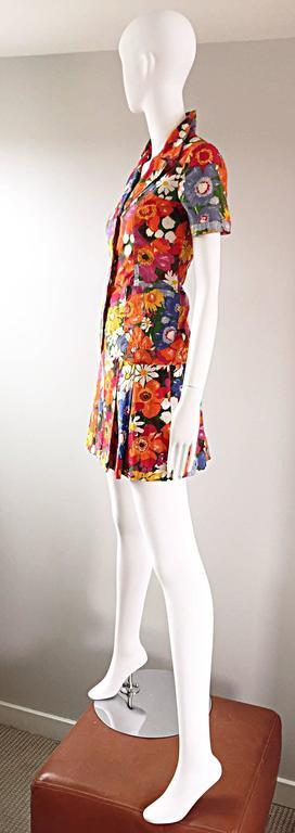 Women's 1960s Zibaut French Mod Colorful Flower Cotton Blouse & Skirt Vintage Dress Set For Sale