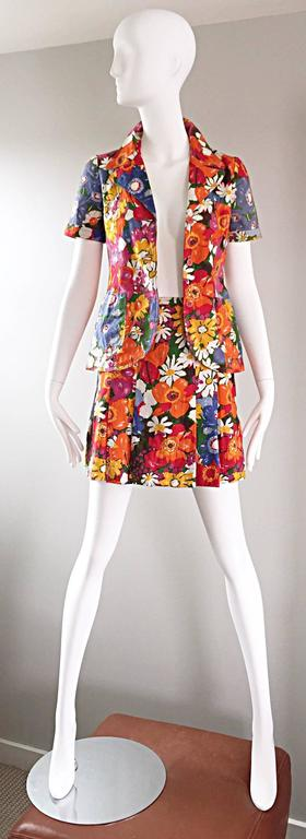 1960s Zibaut French Mod Colorful Flower Cotton Blouse & Skirt Vintage Dress Set In Excellent Condition For Sale In San Francisco, CA