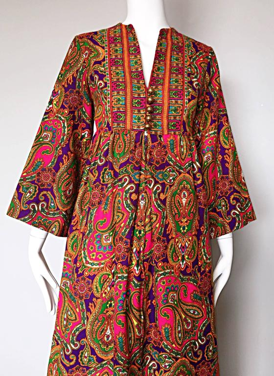 Women's Vintage Joseph Magnin 1970s Psychedelic Paisley 70s Colorful Caftan Maxi Dress For Sale