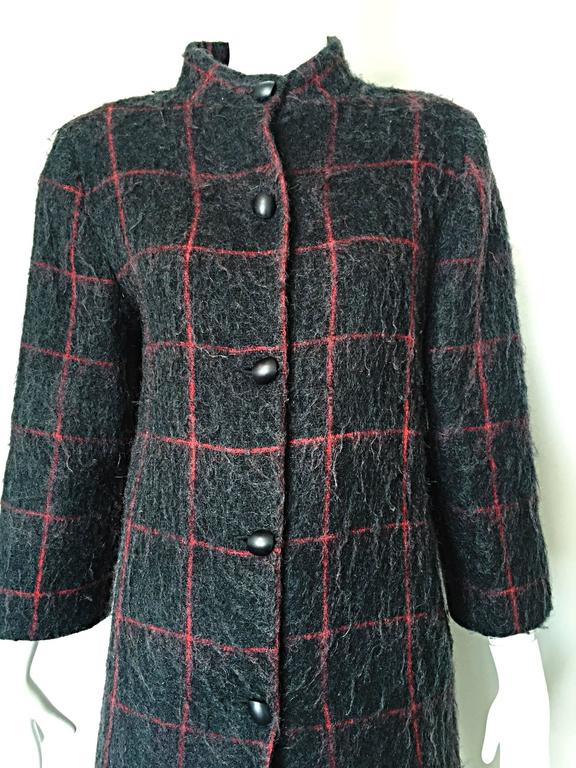 Women's Vintage Geoffrey Beene Beene Bag Grey + Red Plaid Mohair Wool Swing Jacket Coat For Sale