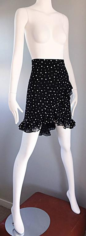 Vintage St John Marie Gray Black and White Sequin Polka Dot Ruffle 1990s Skirt In Excellent Condition For Sale In San Francisco, CA