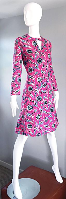 Vintage Adele Simpson Plus Size 1960s Hot Pink + Silver + Blue Metallic Dress In Excellent Condition For Sale In Chicago, IL