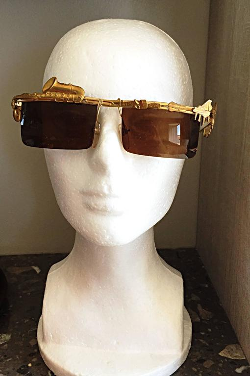 Rare Vintage Mercura Novelty ' Pianos + Horns + Music Notes ' Unisex Sunglasses For Sale 2