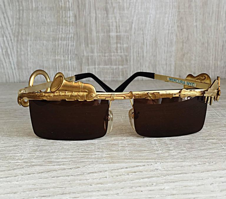 Rare Vintage Mercura Novelty ' Pianos + Horns + Music Notes ' Unisex Sunglasses For Sale 3