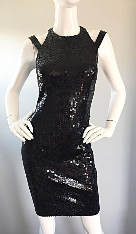 Sexy Vintage Size 8 Della Roufogali Black LBD Caged Back Sequined 90s Mini Dress For Sale 2
