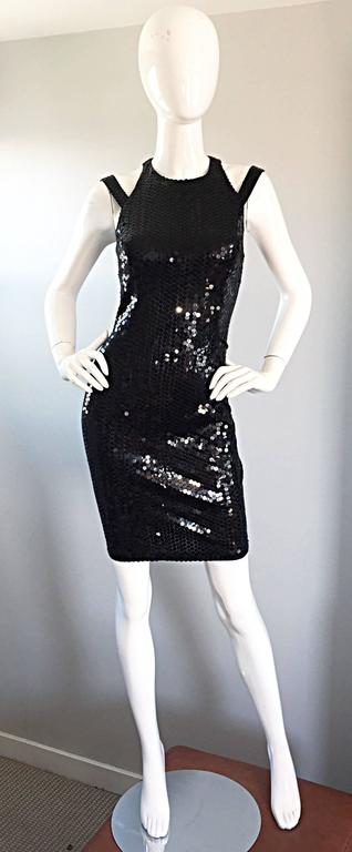 Sexy Vintage Size 8 Della Roufogali Black LBD Caged Back Sequined 90s Mini Dress For Sale 5