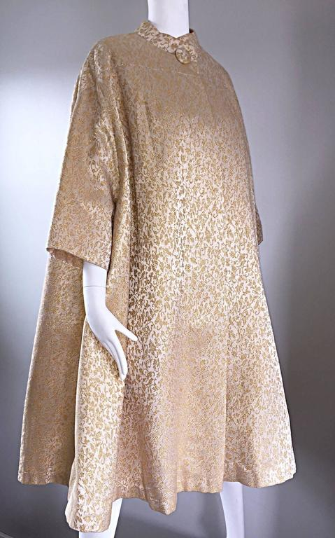 Spectacular Vintage 1950s Gold And Ivory Silk Brocade
