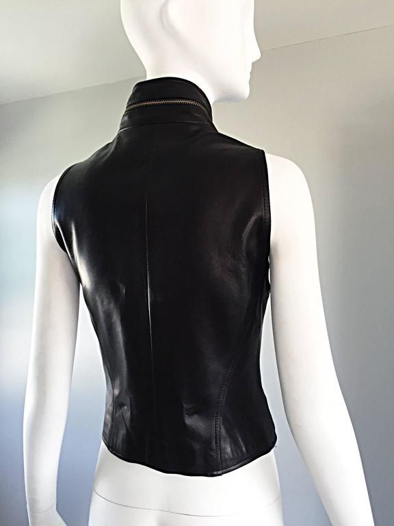 Vintage Donna Karan Black Lambskin Leather 1990s 90s Fitted Moto Vest Size 4 For Sale 4