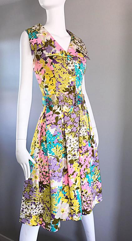 Tori Richard 1960s Flower Printed Vintage Hawaiian 60s / 70s Belted Shirt Dress  In Excellent Condition For Sale In San Francisco, CA