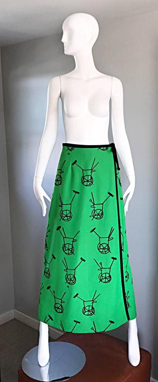 1970s VESTED GENTRESS Kelly Green Novelty ' Wheelbarrow ' Vintage Maxi Skirt  2