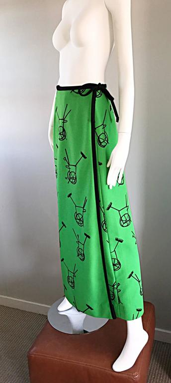 1970s VESTED GENTRESS Kelly Green Novelty ' Wheelbarrow ' Vintage Maxi Skirt  For Sale 4