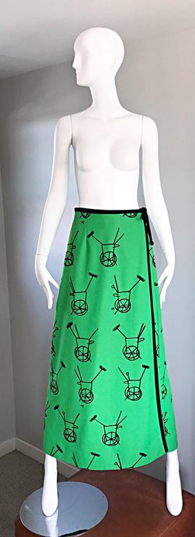 1970s VESTED GENTRESS Kelly Green Novelty ' Wheelbarrow ' Vintage Maxi Skirt  For Sale 5