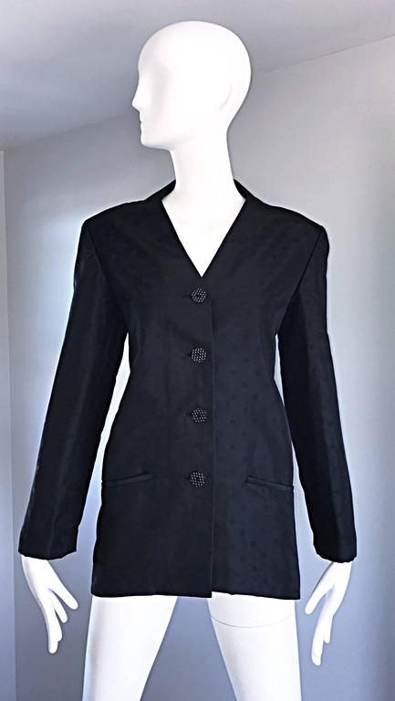 Geoffrey Beene Vintage Black Polka Dots 1990s 90s Classic Silk Jacket Blazer In Excellent Condition For Sale In San Francisco, CA
