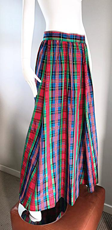 Black Chic 1960s Tartan Plaid Vintage 60s Taffeta Red + Green + Blue Long Full Skirt For Sale