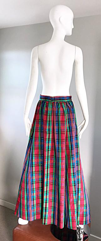 Chic 1960s Tartan Plaid Vintage 60s Taffeta Red + Green + Blue Long Full Skirt In Excellent Condition For Sale In San Francisco, CA