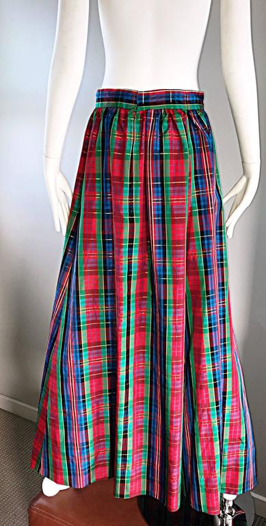 Chic 1960s Tartan Plaid Vintage 60s Taffeta Red + Green + Blue Long Full Skirt For Sale 2