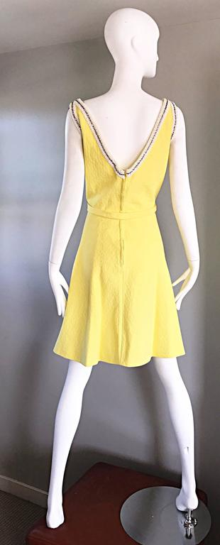Chic 1960s Seaton Enterprises Ltd. Vintage Large Size Yellow 60s A Line Dress For Sale 2
