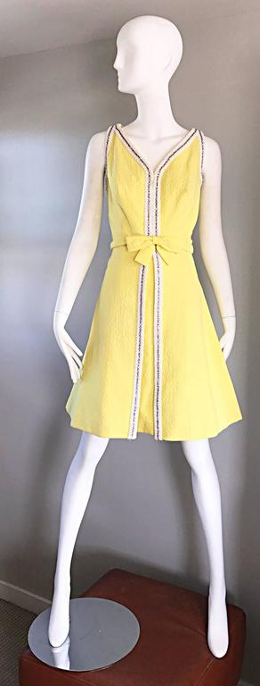 Chic 1960s Seaton Enterprises Ltd. Vintage Large Size Yellow 60s A Line Dress For Sale 5