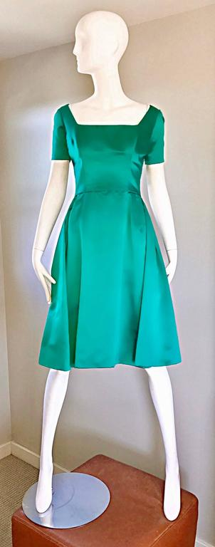 Beautiful 1950s Michael Novarese Kelly Green Silk Satin Fit n' Flare 50s Dress  2