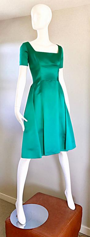 Beautiful 1950s Michael Novarese Kelly Green Silk Satin Fit n' Flare 50s Dress  3