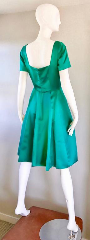 Beautiful 1950s Michael Novarese Kelly Green Silk Satin Fit n' Flare 50s Dress  4