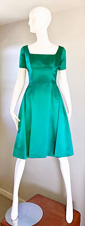Beautiful 1950s Michael Novarese Kelly Green Silk Satin Fit n' Flare 50s Dress  8