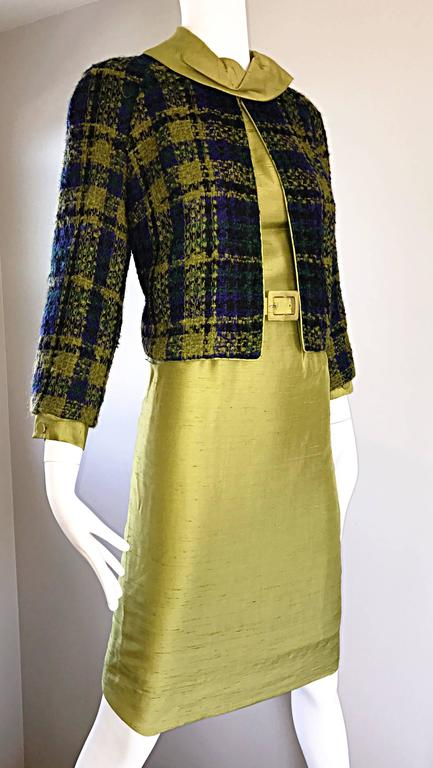 1960s I Magnin Chartreuse Green Silk Shantung 3 Piece Dress and Jacket Ensemble In Excellent Condition For Sale In Chicago, IL