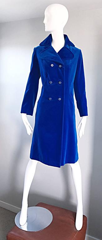 1960s Surrey Classics Cerulean Royal Blue Velvet Double Breasted Jacket Coat  9