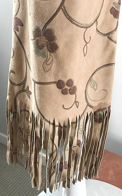 Amazing Vintage Escade Suede Leather Hand Painted Fringe 90s Flare Leg Pants 38 In Excellent Condition For Sale In Chicago, IL