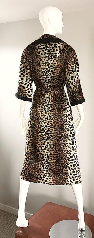 1960s Lilli Ann Leopard Cheetah Print Vintage Fabulous 60s Trench Jacket Coat  In Excellent Condition For Sale In San Francisco, CA