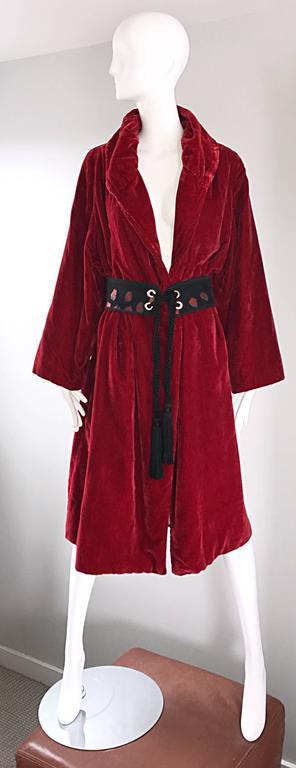 Women's 1920s Silk Velvet Blood Red Vintage 20s Luxurious Opera Flapper Jacket Coat For Sale