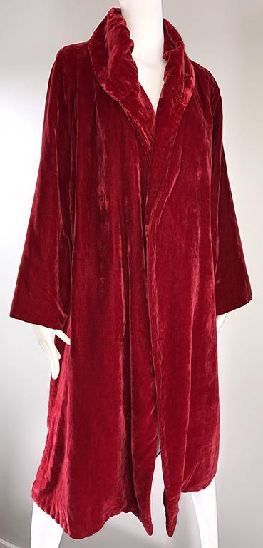 1920s Silk Velvet Blood Red Vintage 20s Luxurious Opera Flapper Jacket Coat For Sale 1