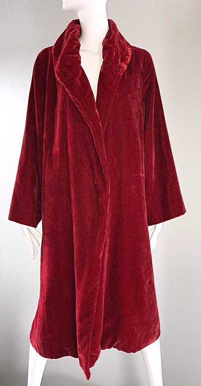 1920s Silk Velvet Blood Red Vintage 20s Luxurious Opera Flapper Jacket Coat For Sale 3