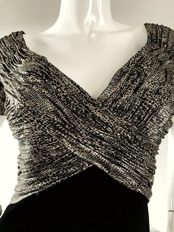 Vintage Vicky Tiel Couture Gold + Black Velvet Metallic Snakeskin Mini Dress  In Excellent Condition For Sale In Chicago, IL