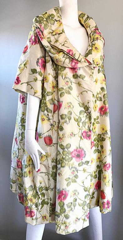 Lillie Rubin Floral Silk Vintage Trapeze Swing Opera Jacket Coat, 1950s  For Sale 4
