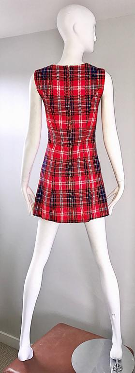 1960s Tartan Plaid Mod Vintage 60s Wool A - Line Chic Mini Skooter Dress  In Excellent Condition For Sale In Chicago, IL