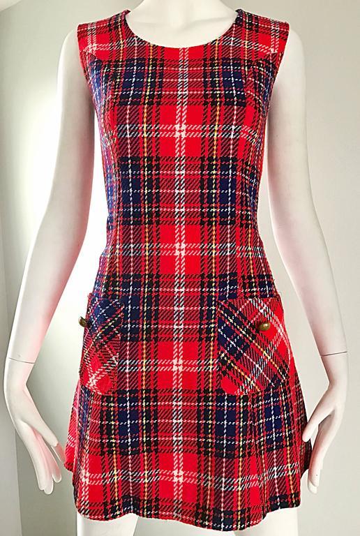 Women's 1960s Tartan Plaid Mod Vintage 60s Wool A - Line Chic Mini Skooter Dress  For Sale