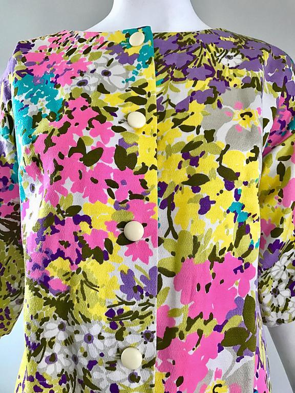 Beige Chic 1960s Tori Richard for I Magnin Colorful Vintage Mini Dress or Swing Jacket For Sale