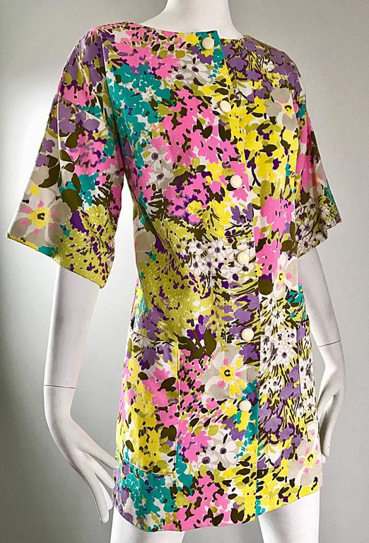 Chic 1960s Tori Richard for I Magnin Colorful Vintage Mini Dress or Swing Jacket In Excellent Condition For Sale In Chicago, IL