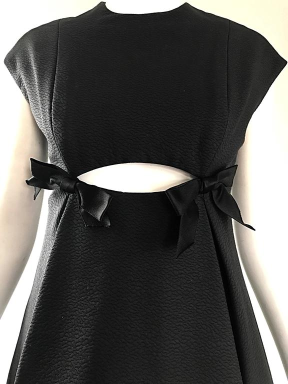 Geoffrey Beene 1960s Rare Black Silk Cut - Out Space Age A - Line Vintage Dress In Excellent Condition For Sale In Chicago, IL