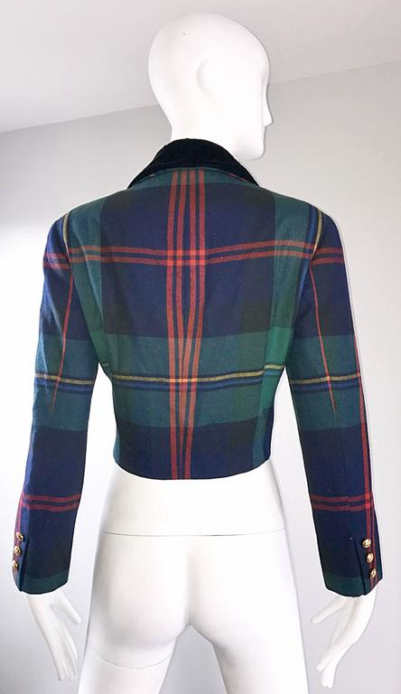 Chic 1990s Ralph Lauren Purple Label Tartan Plaid Vintage Cropped Wool Jacket  In Excellent Condition For Sale In San Francisco, CA