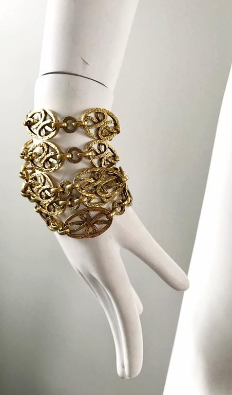 Rare 1970s Yves Saint Laurent Gold Meadillion YSL Vintage Chain Belt or Necklace For Sale 1