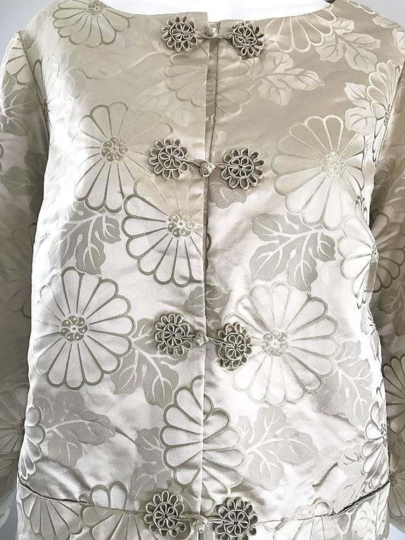 1960s Dynasty Beige Silk Flower Asian Gorgeous Vintage 60s Swing Jacket  5